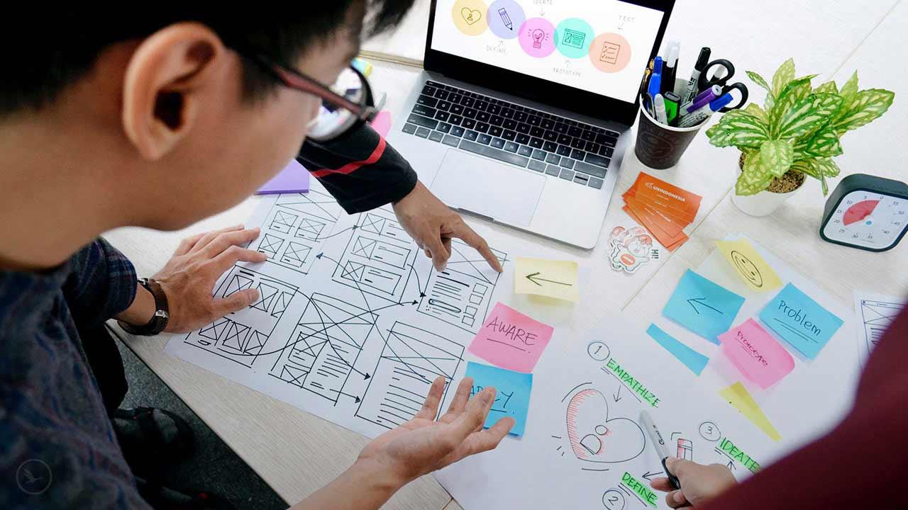 ux به طراحی تجربه کاربر در سایت مربوط میشود.